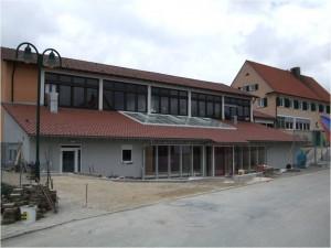 Römerstein – Pausenhalle Donnertetten